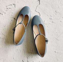 Cecile azul